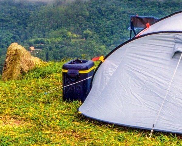 Anwendungsbereiche von Erdnägeln und Bodenankern bei Objekten, Zelten uvm.